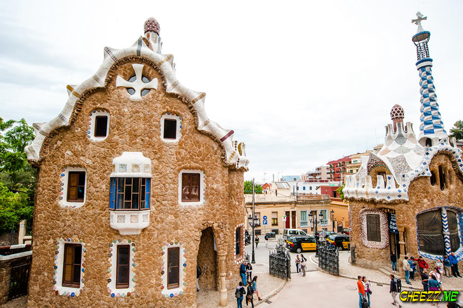 Park Guell in Barcelona tour with personal guide
