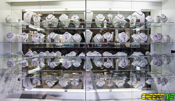 best place to purchase Czech Republic glass necklaces in Prague