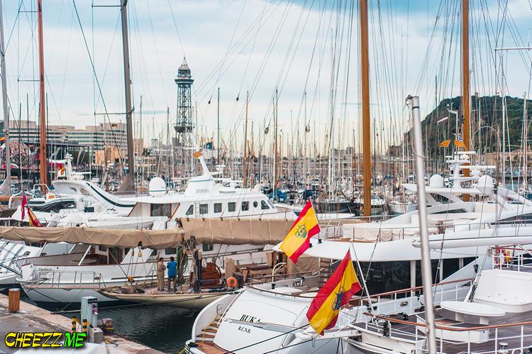 Старый порт Барселоны фото
