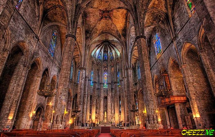 Барселона - кафедральный собор Святой Эулалии