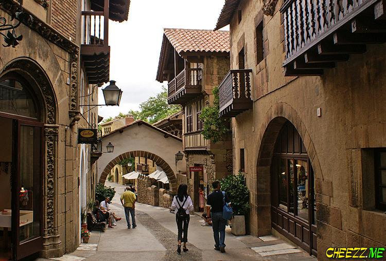 Испанская деревня в Барселоне фото