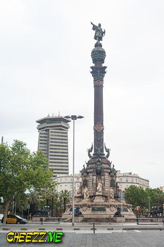 Памятник Христофору Колумбу в Барселоне фото