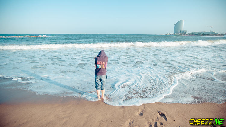 Пляж в Барселоне фото