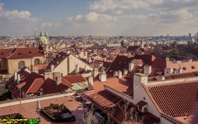 Главная достопримечательность Праги - это красные крыши