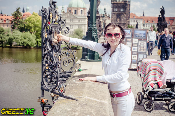 загадать желание на карловом мосту в Праге