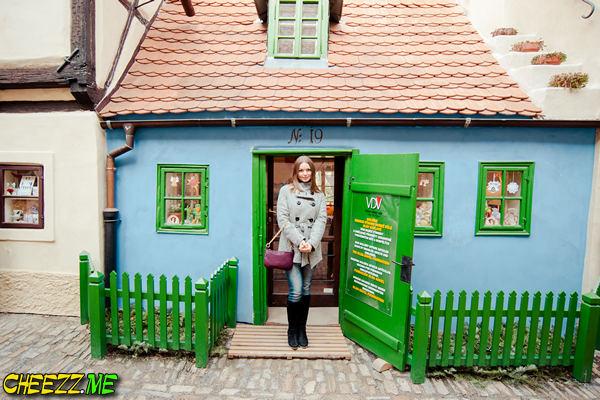 Золотая улочка (Злата улочка) в Праге