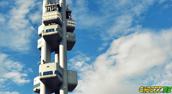 Эксклюзивный отель в Пражской телебашне