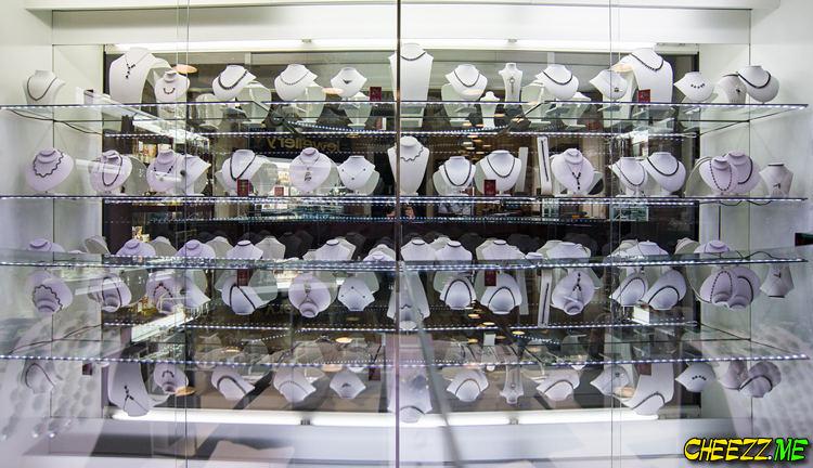Ювелирные украшения из чешского гранат купить в Праге
