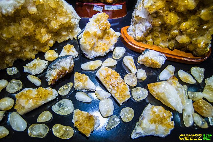 Камни Чехии купить в Праге