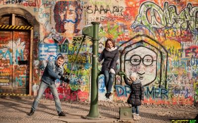 стена леннона в Праге фото