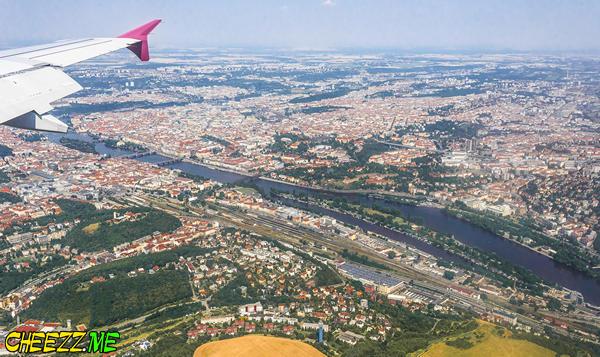Посадка в аэропорту Вацлава Гавела в Праге