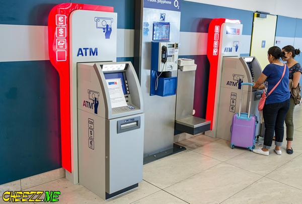 Обмен денег в пражском аэропорту