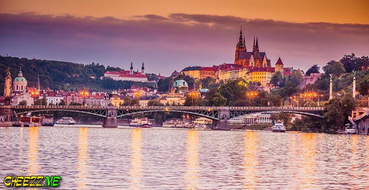St Vitus Cathedral in Prague night photo