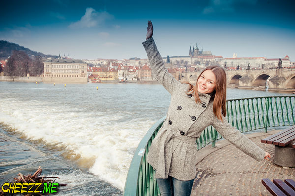 Tour in Prague with photographer on charles bridge