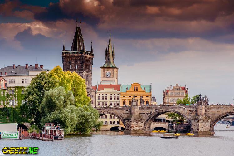 Charles bridge evening photo in Prague