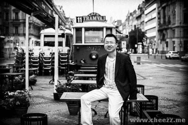 photographer-in-prague-black-white-photo