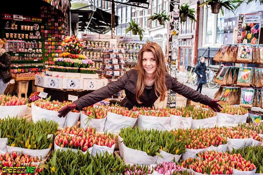 Flower market in Amsterdam photo